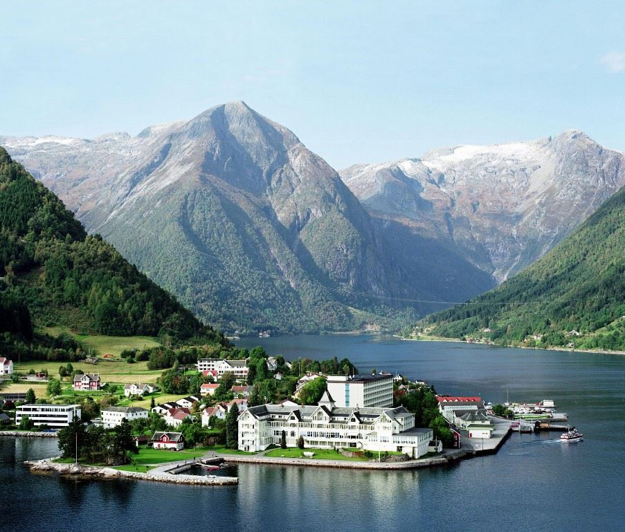 Kviknes Hotel, The Fjords and Trondelag