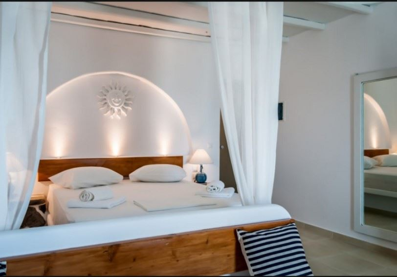 Junior Suite, Niki Savvas, Apollonia, Milos, Greece
