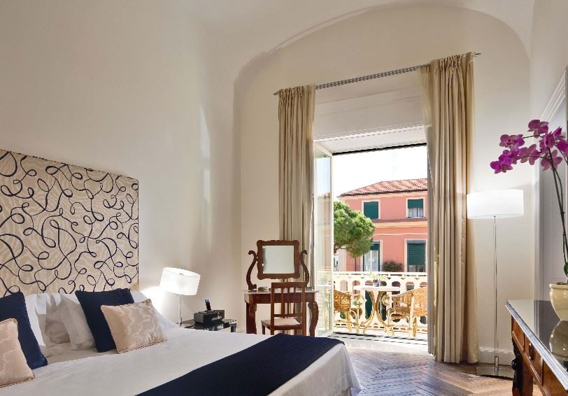 Superior junior suite, Grand Hotel Excelsior Vittoria, Sorrento