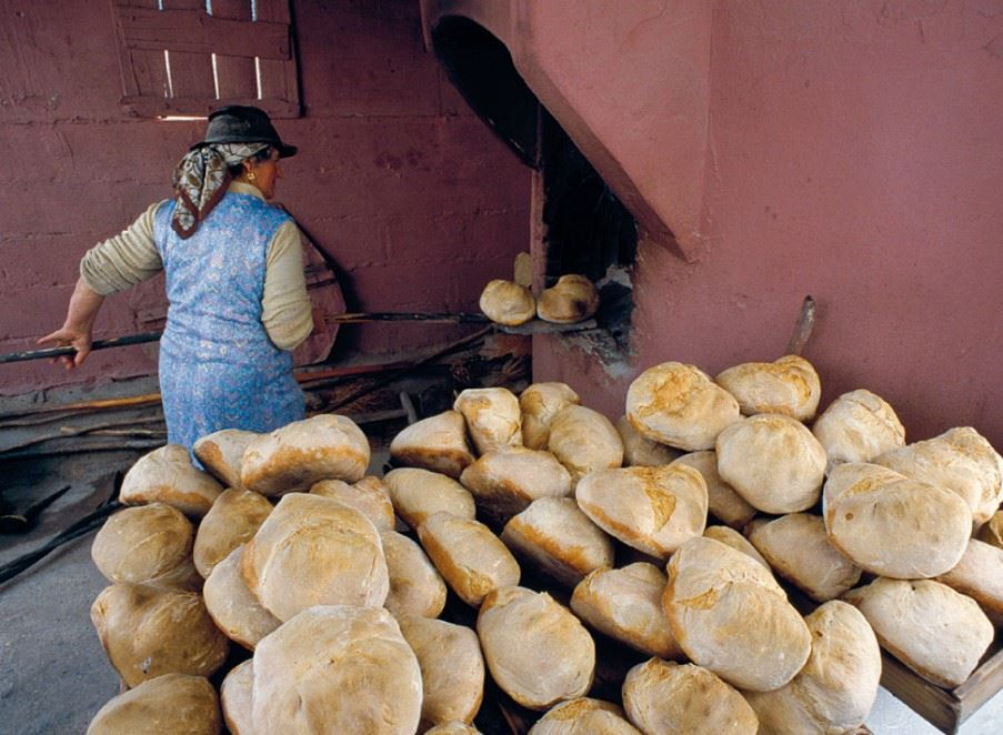 Bread making, Alentejo