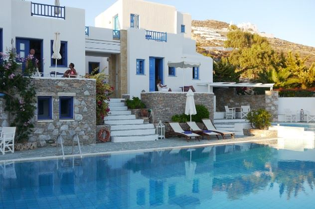 Pool view, Folegandros Apartments