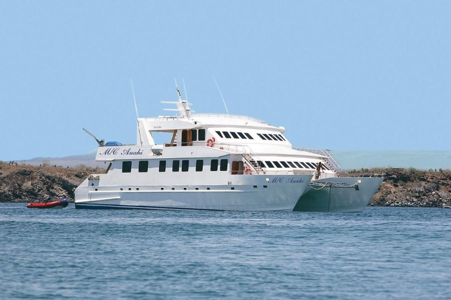 Yacht Anahi, Galapagos Islands