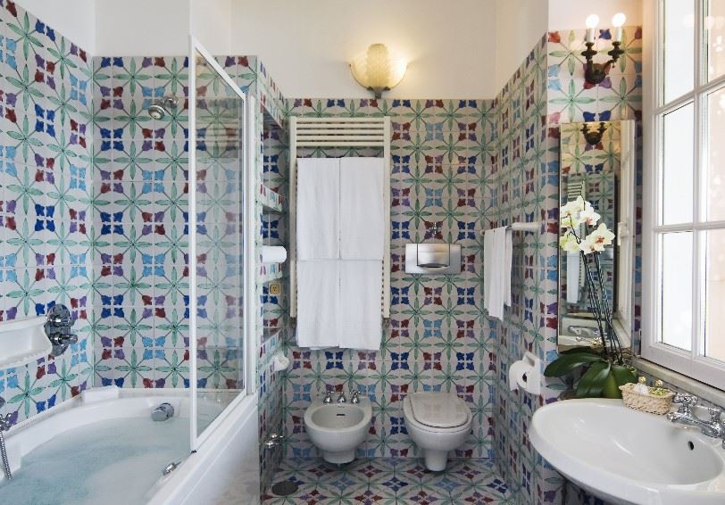 Bathroom, Junior suite, Villa Maria Hotel, Ravello, Italy