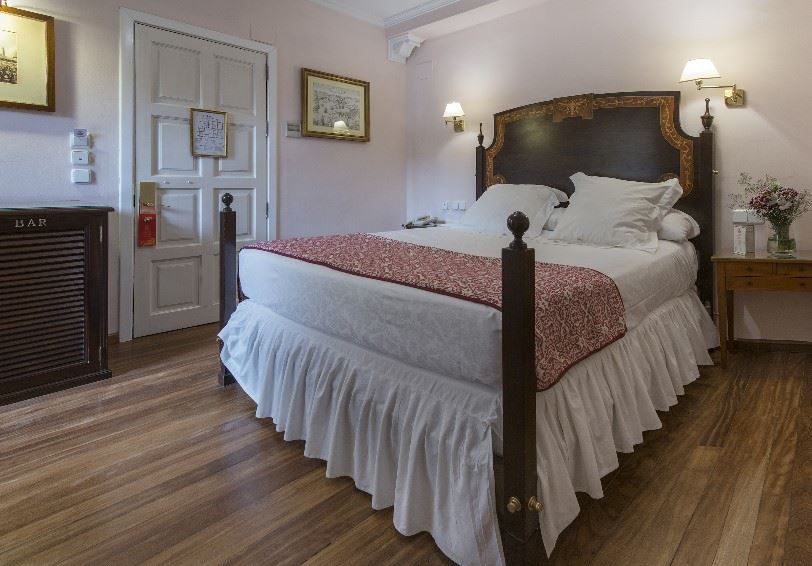 Single Room, Las Casas de la Juderia Hotel, Seville, Andalucia, Spain